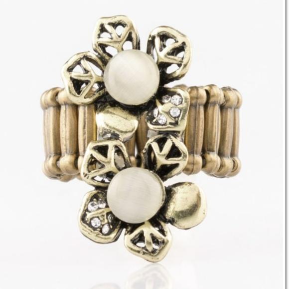 paparazzi Jewelry - Magnolia mansions brass ring